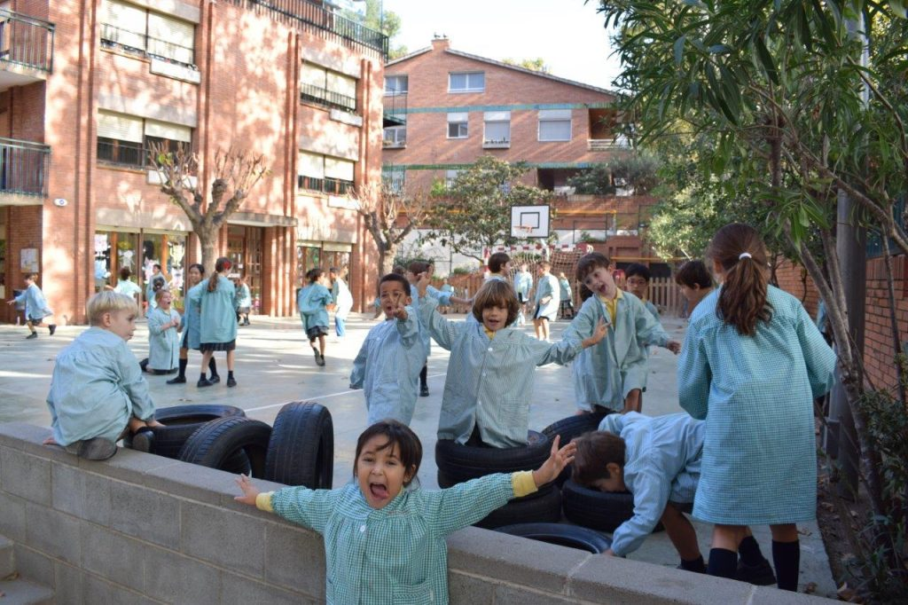 Preschool, Primary and Secondary Education Center. Multilingual education English, Spanish, Catalan, French.
